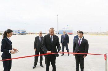 Prezident İlham Əliyev Qaradağ rayonunun Lökbatan qəsəbəsində inşa olunan Abşeron Logistika Mərkəzinin açılışında iştirak edib.
